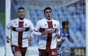 Borja L�zaro y Alexander Gonz�lez celebran el tanto del segundo en...