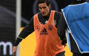 Sebastian Rudy, en un entrenamiento con Alemania.