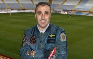 Luis Ballesteros, t�cnico de la Cultural, posa para MARCA