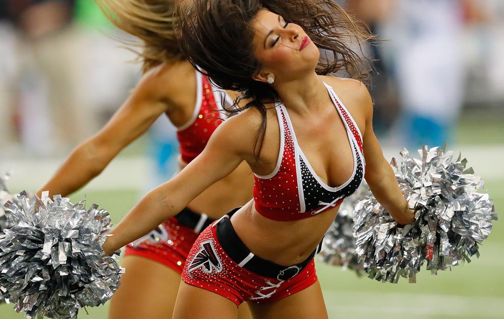 cheerleader-stimulate-naked-amateur-buff-boys
