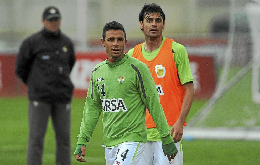 Rubén y Dorado, con Mel al fondo, en la temporada 2011-12.
