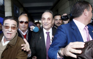 Lopera sale de los Juzgados de Sevilla en diciembre de 2013.