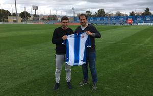Lard�n y Majid posan sobre el c�sped de la Ciudad Deportiva tras...