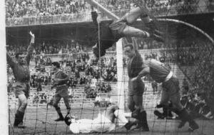 Real Madrid-Valladolid: gol de P�rez Pay� tras varios remates...