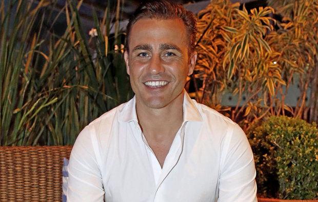 Fabio Cannavaro posa para MARCA