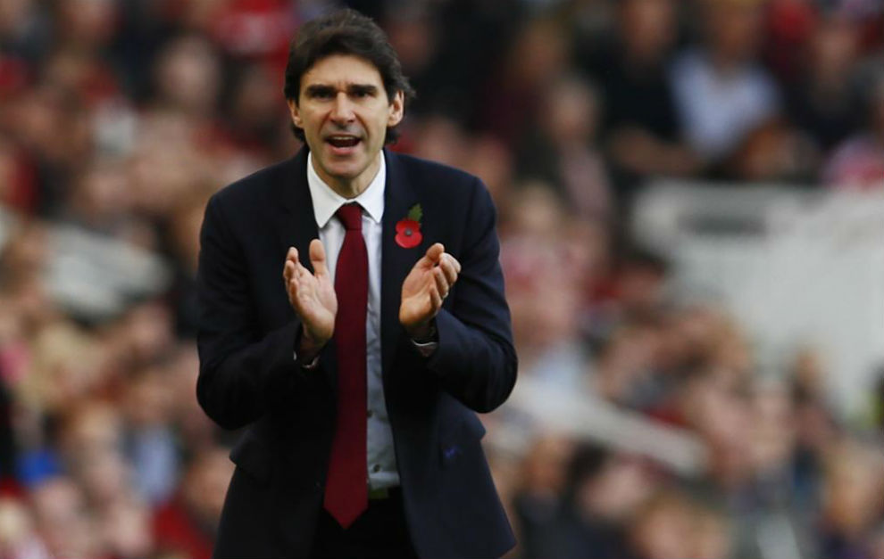Aitor Karanka aplaude a sus discípulos ante el Bournemouth.