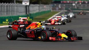 Ricciardo pilota su Red Bull en el Hermanos Rodríguez.
