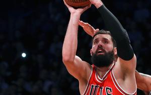 Nikola Mirotic jugando con los Chicago Bulls