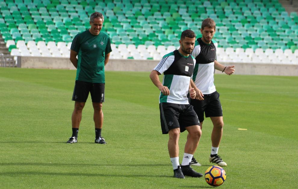 El Betis prepara en el Benito Villamarín el duelo del domingo con el Villarreal