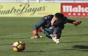 Isaac Becerra, durante un entrenamiento del Real Valladolid