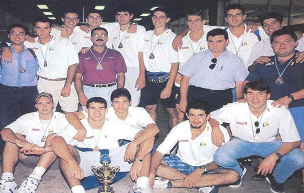 Los juniors de bronce tras el Mundial junior de 1995