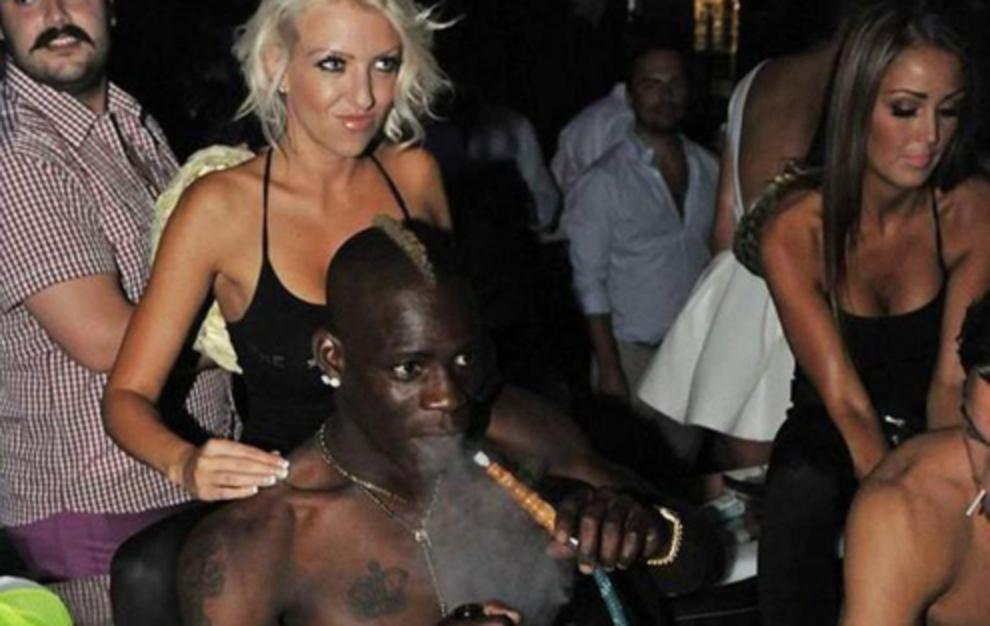 Balotelli: Eterno chico malo allá por donde pasa. Protagonista de...