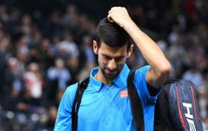 Novak Djokovic lamenta su derrota frente a Marin Cilic.