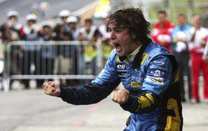 Alonso celebra su primer Mundial