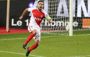Falcao celebra uno de sus goles al Nancy.