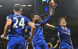 Marcos Alonso marcó el 2-0 ante el Everton a pase de Pedro. El...