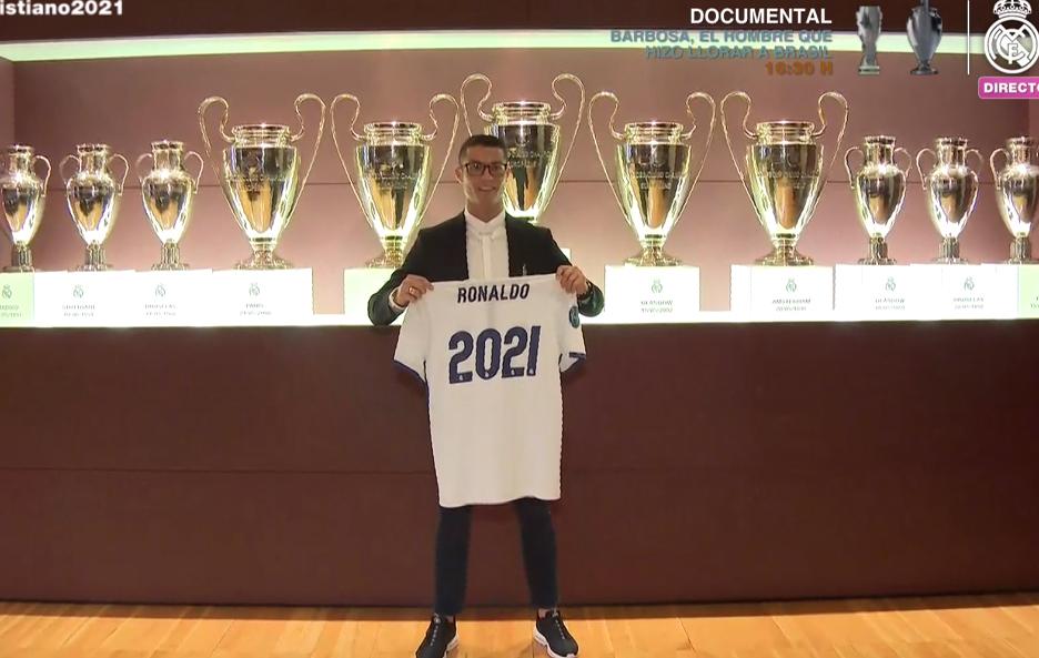 Cristiano, en la sala de juntas del Bernabéu
