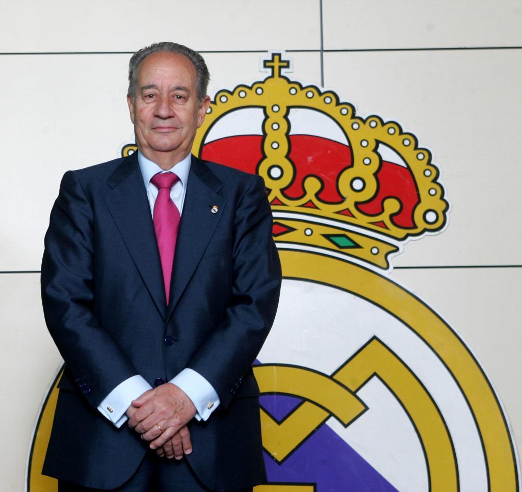 Juan Miguel Villar posa en la redacción de MARCA en 2006.