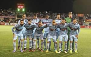 El once inicial del Levante que se impuso ante el Reus abriendo...
