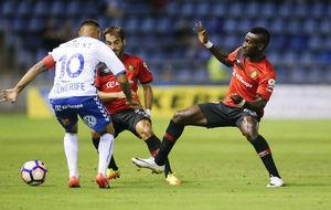 Suso Santana renueva con el Tenerife.
