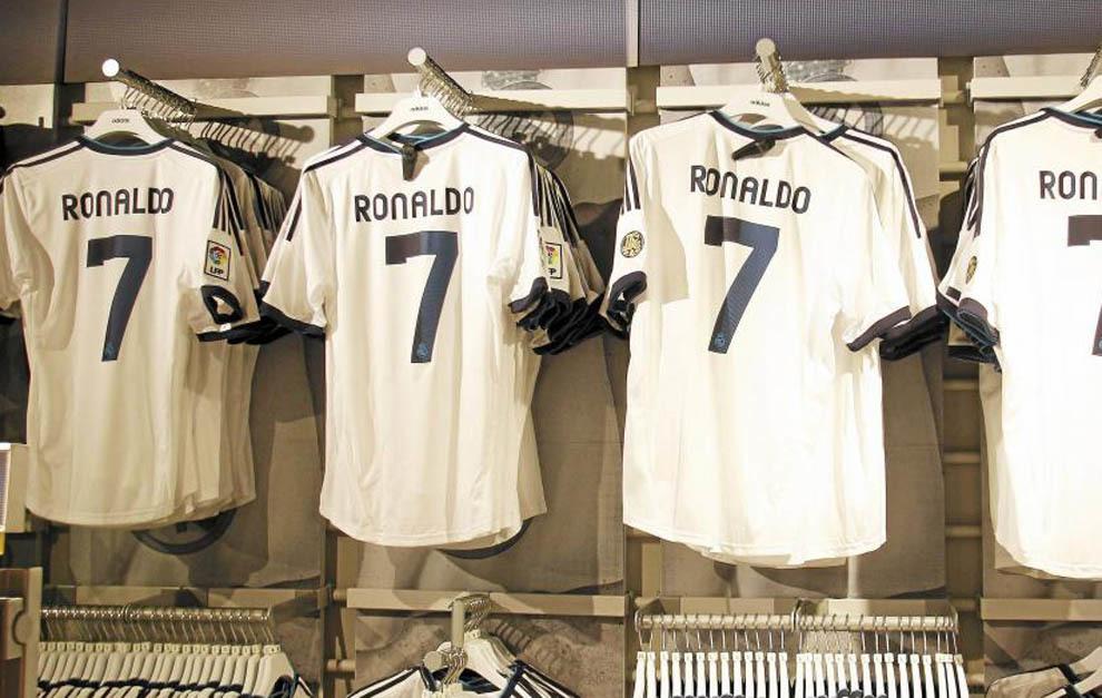 62eb6a7a39b1d Real Madrid  El 40% de la venta de camisetas llevan el nombre de ...