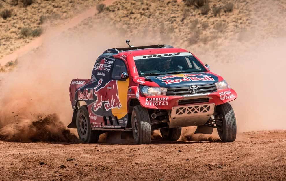 El Toyota Hilux 4x4 oficial para el Dakar 2017 ya luce sus nuevos ...