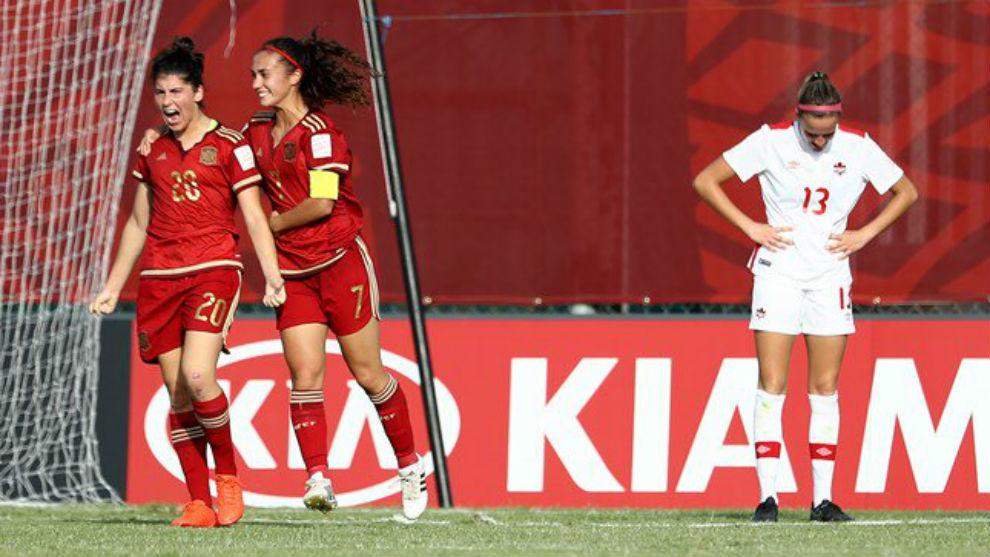 Lucía García celebra uno de los goles ante Canadá.