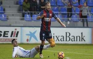 Ferreiro se escapa de un rival en el partido del sábado ante el...
