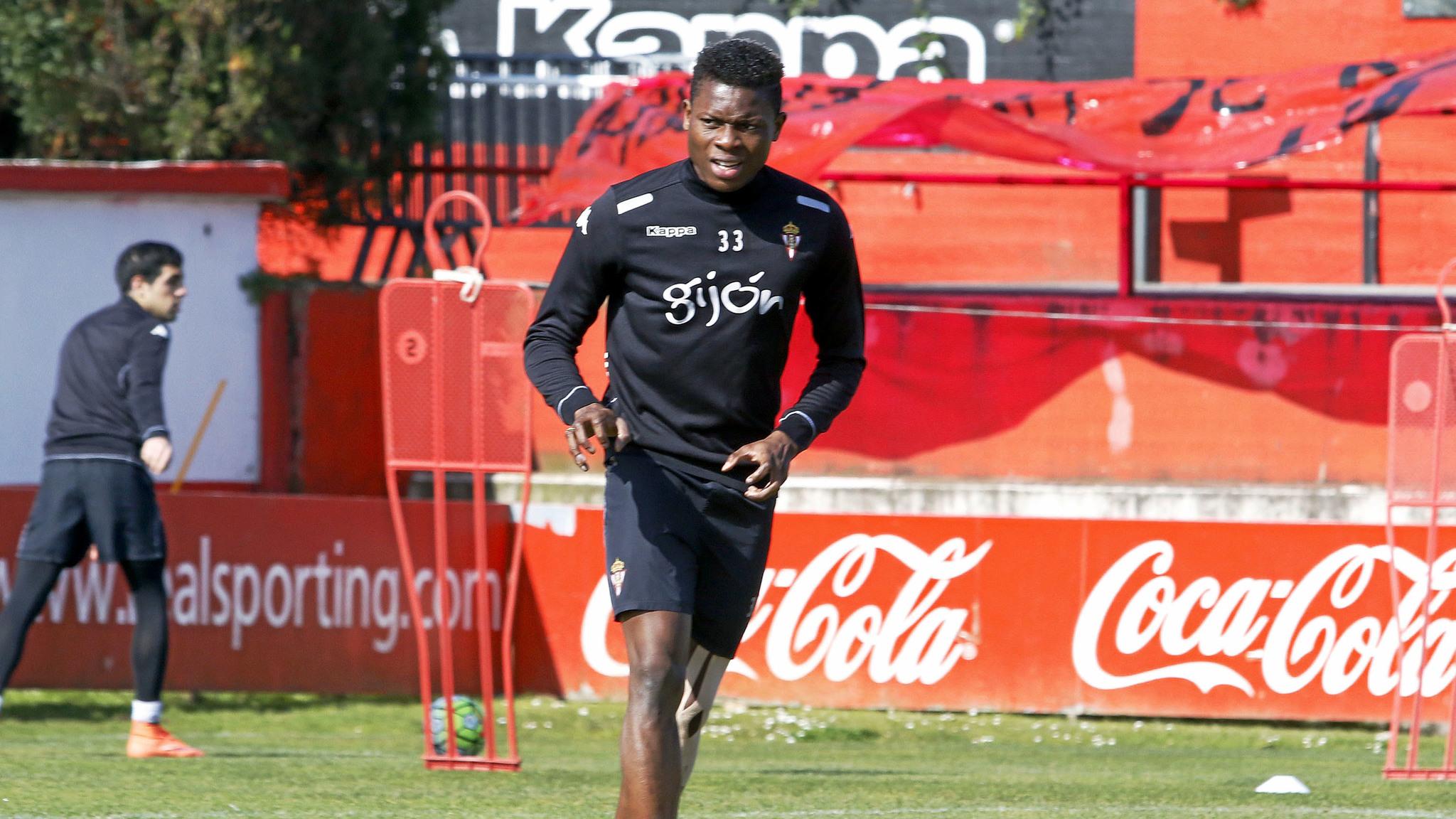 Dani Ndi se va lesionado del entrenamiento y es duda para el domingo