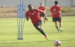 Bambock (21) en un entrenamiento con el Huesca.