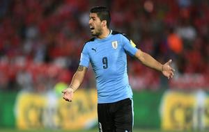 Luis Suárez durante el encuentro ante Chile