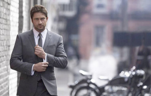 El actor Gerald Butler, embajador de Boss Bottled Intense.