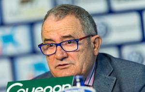 El presidente de Osasuna, Luis Sabalza, comparece ante los medios