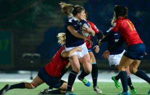 La selección española, aplicándose en defensa en Glasgow
