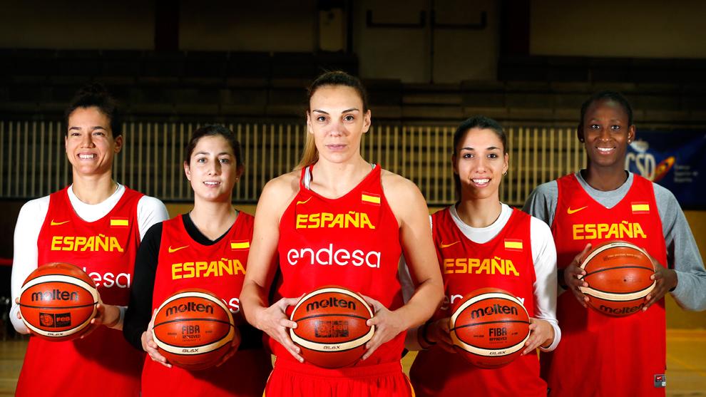Laura Nicholls (27), Leonor Rodríguez (21), Lucila Pascua (33), Laura...