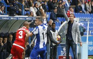 Garitano, dando instrucciones a sus futbolistas