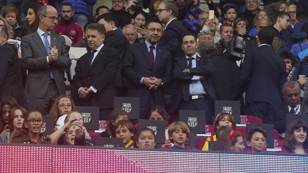 Los niños, protagonistas en el palco del Camp Nou-