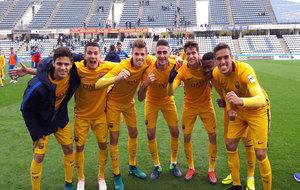 Los futbolistas del Barça B celebran la victoria ante el Lleida