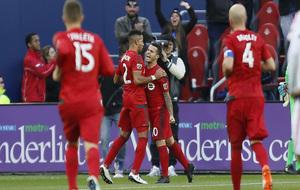 Los jugadores del Toronto CF celebran un gol