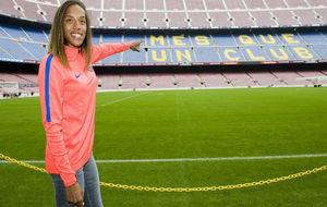 Yulimar Rojas, en el Camp Nou tras su presentación.