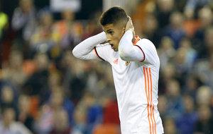 Cancelo se lamenta de una oportunidad fallada ante el Granada.