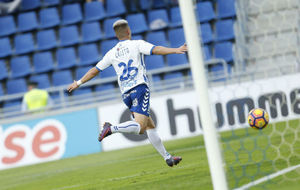 Cristo González (19) celebra un gol anotado en el Heliodoro.