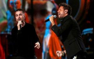 Juanes y Pablo López interpretaron 'Tu enemigo'