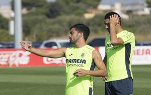Jaume Costa (28) y Bruno Soriano (32), durante un entrenamiento.