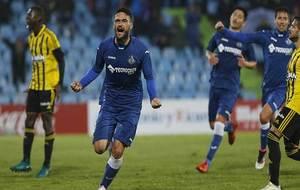 Jorge Molina celebra el gol de penalti que decidió el choque ante el...