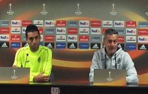 Bruno Soriano y FRan Escribá en el estadio del Zurich.