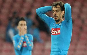 Gabbiadini se lamenta de una ocasión fallada.