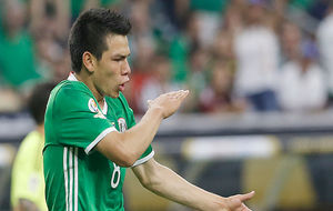 Hirving Lozano, en un encuentro con la selección mexicana.