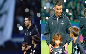 Cristiano junto a su sobrino en el encuentro ante el Sporting
