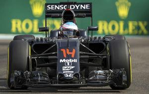 Fernando Alonso durante los entrenamientos del GP de Abu Dabi